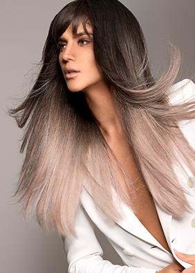 pelo largo flequillo abierto